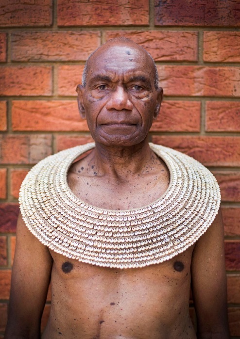 Pearson Vetuna, Tabunatip clan, Tolai people. Middi made and photographed by Lisa Hilli on Wurundjeri Country, Narrm Melborune.